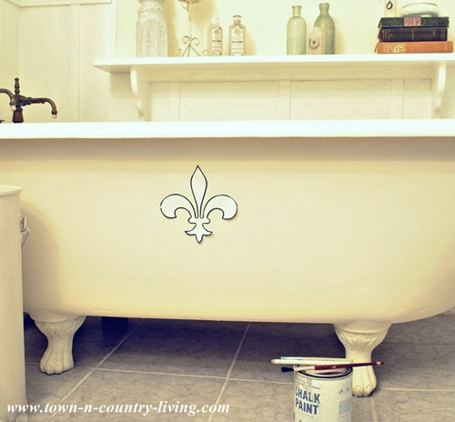 Painting a claw foot tub live creatively inspired - Painting clawfoot tub exterior paint ...