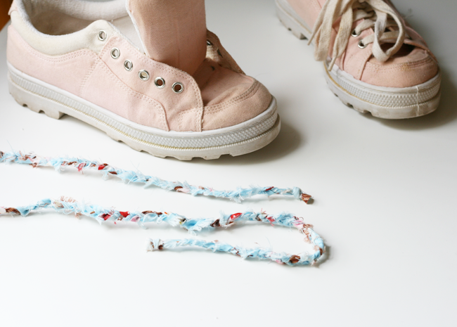 Shabby-chic-tennis-shoe-laces