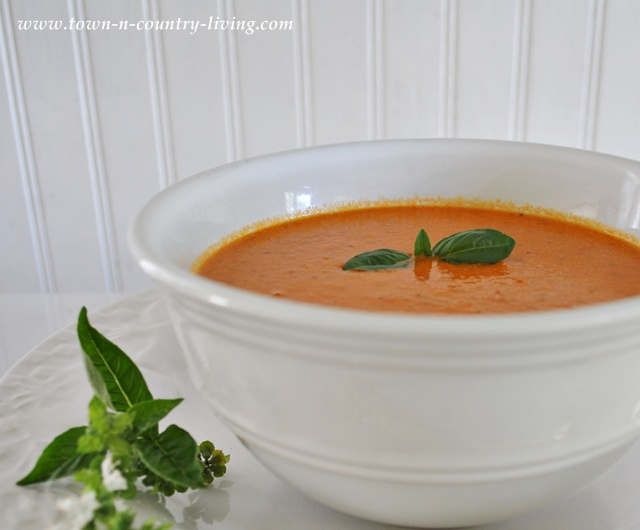 Roasted Tomato Basil Soup - Live Creatively Inspired