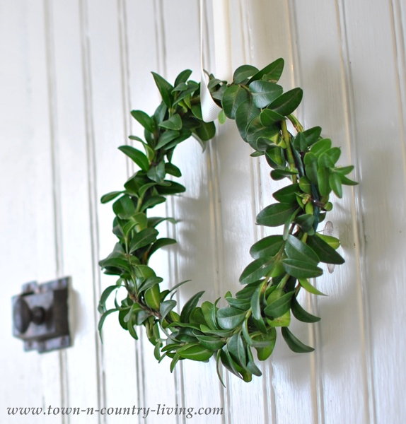 how to make a simple wreath with greens