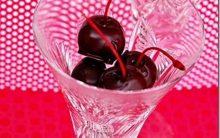 Dark Chocolate Cherries with Amaretto