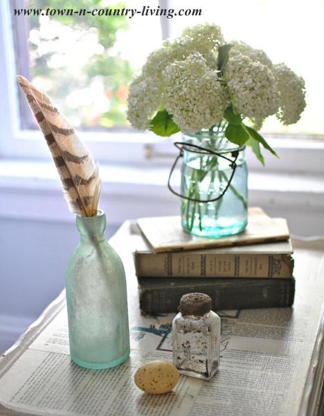 Table-Vignette-Using-Vintage-Books