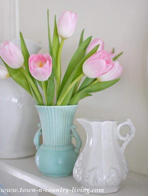 Tulips-in-Aqua-Vase