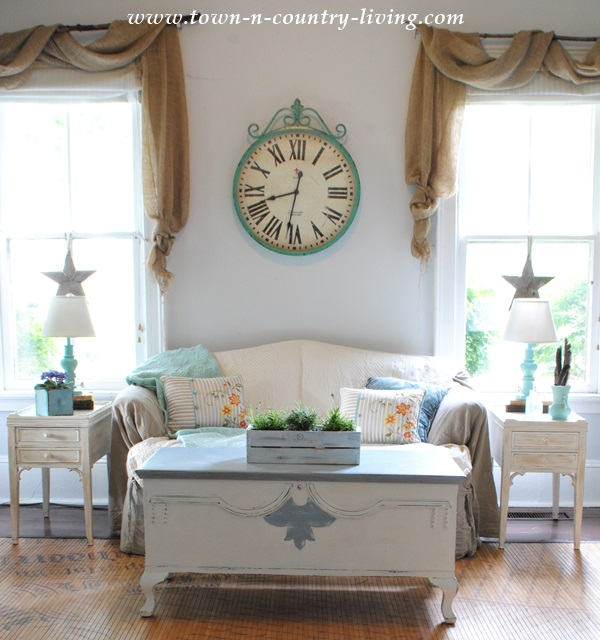 Summer Decorating Ideas in the Family Room