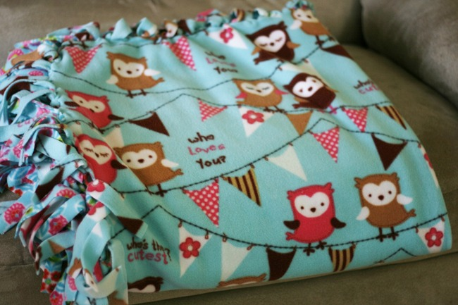 How To Make A No Sew Fleece Blanket Live Creatively Inspired